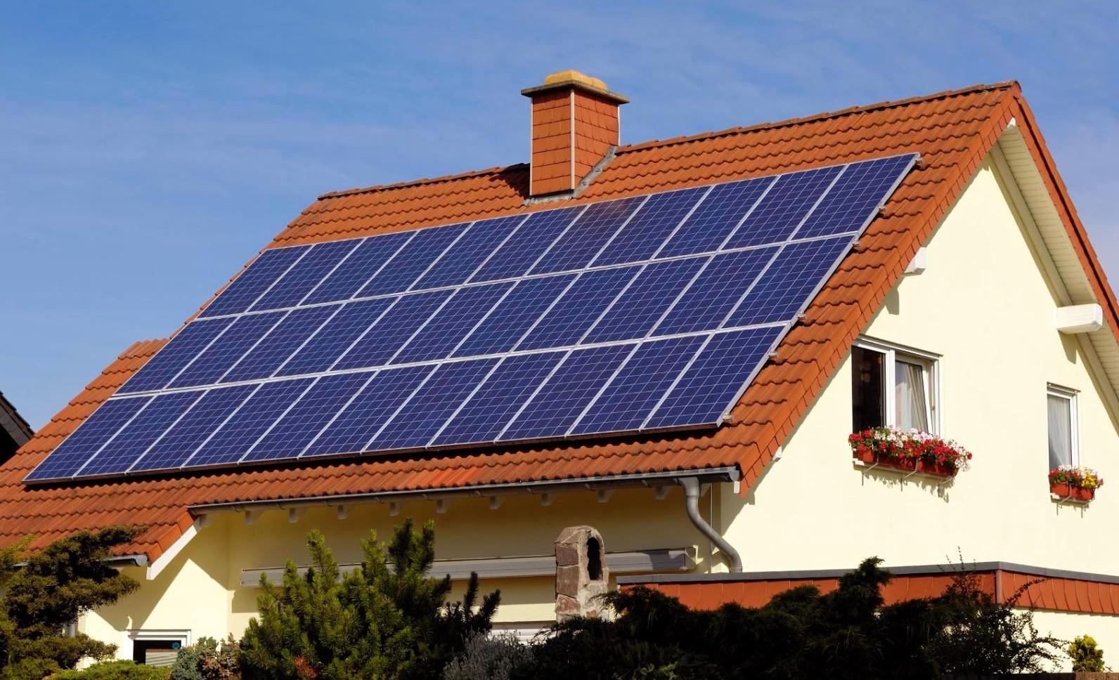 India llevar electricidad a todas las casas antes de 2019 - Paneles solares para abastecer una casa ...